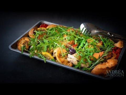 Italian chicken casserole with arugula, tomato and lemon