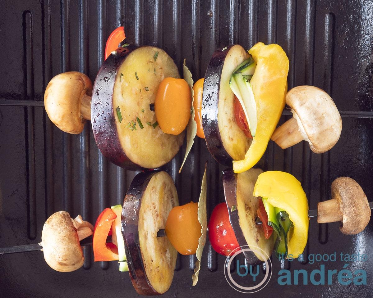 Grill the vegetables kebobs