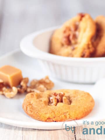 A plate with Walnut cookies