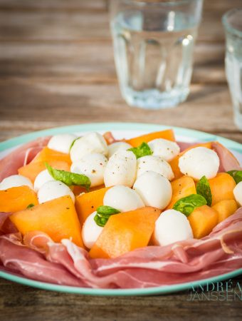 salade van meloen, ham en mozzarella