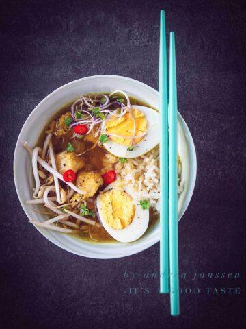 Oriental chicken soup