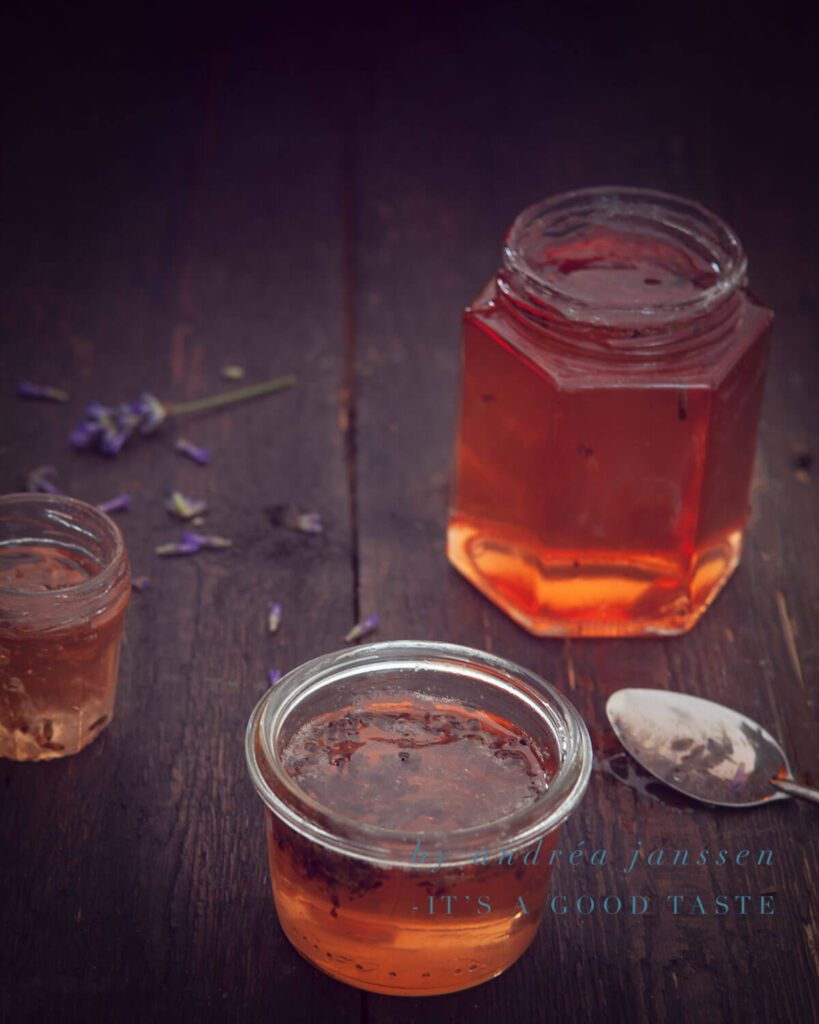 Apple jelly with lavender