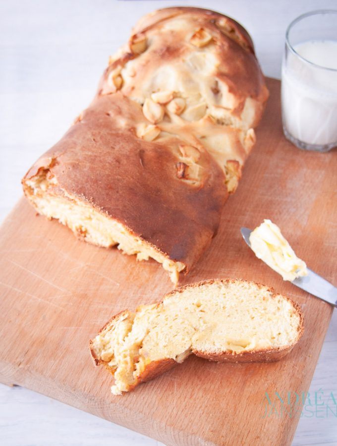 appel brood - apple bread