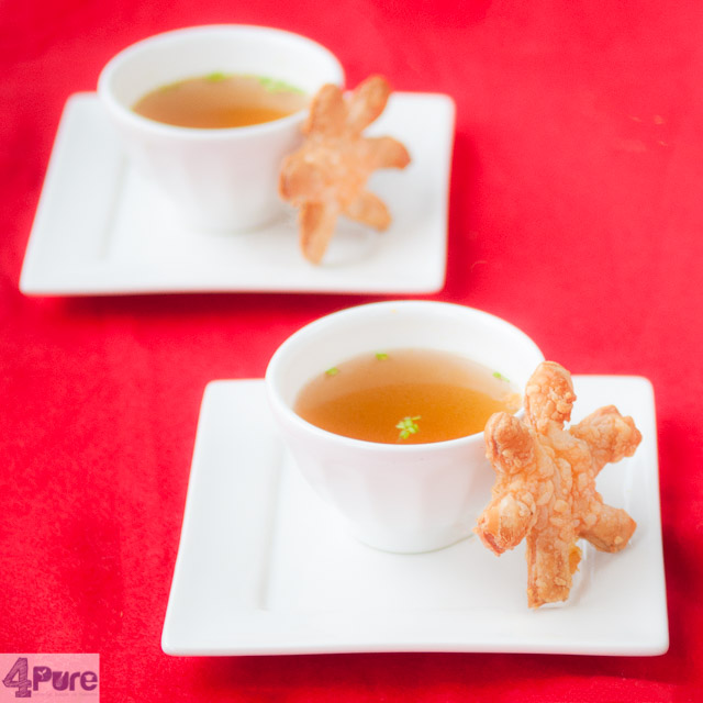 bouillon met kaas kerst sterren - vegetable stock with Christmas cheese stars