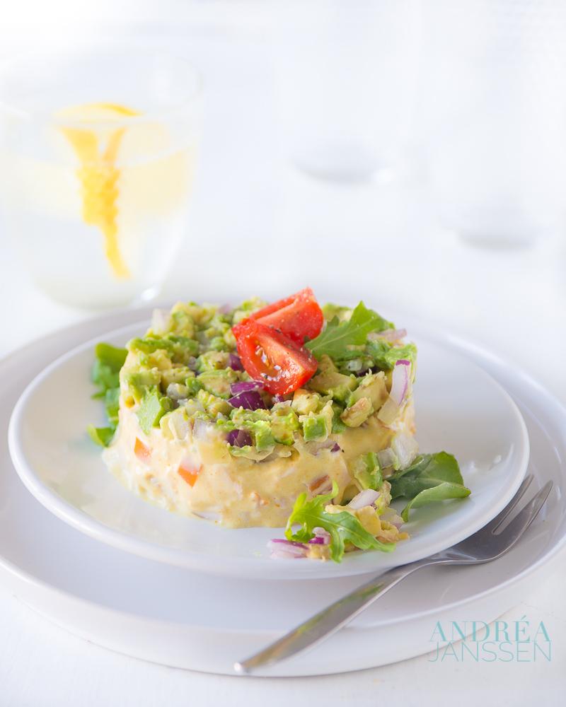 Gerookte kipfilet met avocado