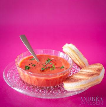 Tomatensoep met valentijnstosti