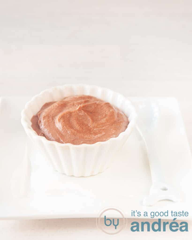 a bowl with Skinny chocolate mousse with ricotta