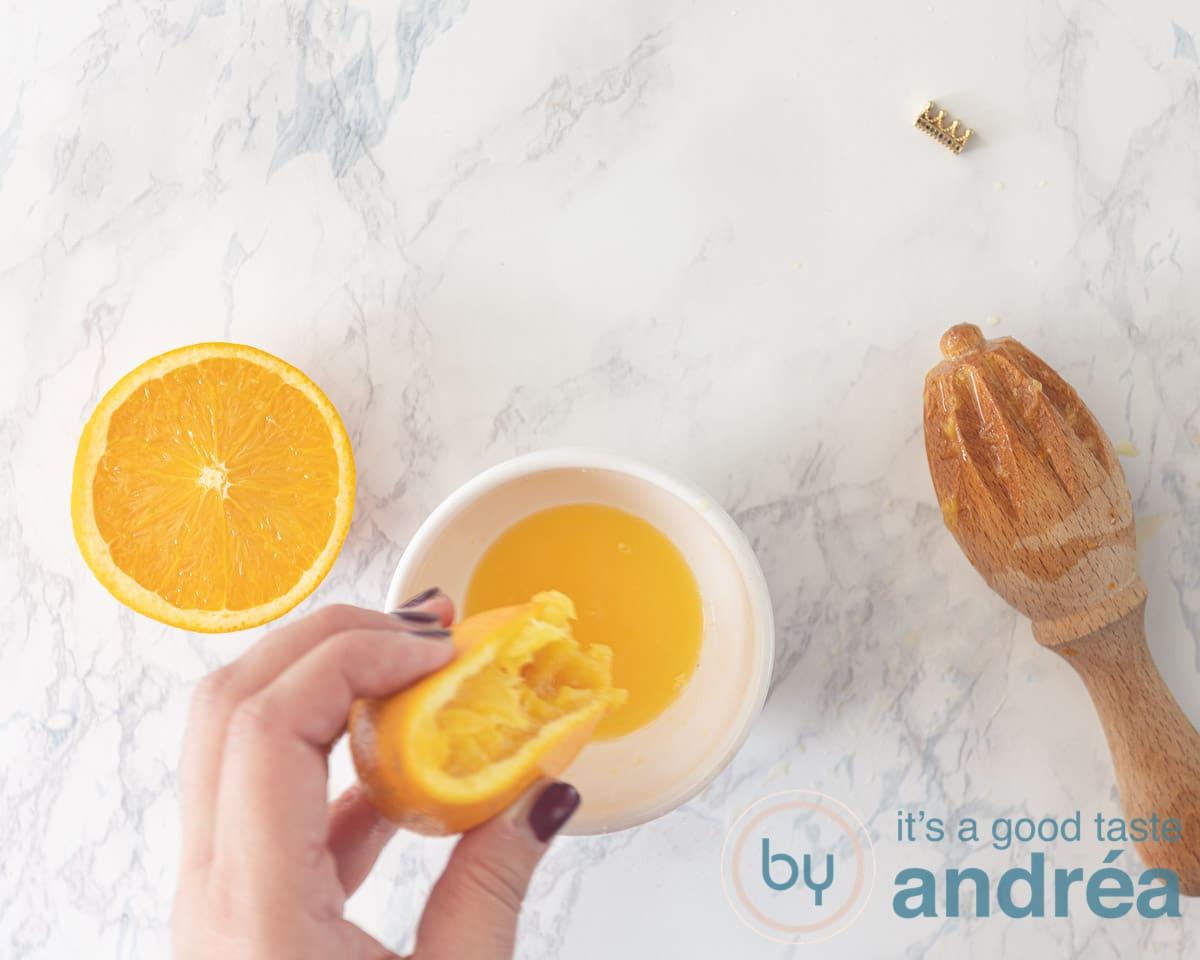 Juice the oranges