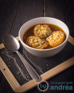 Easy onion soup with only 6 ingredients