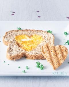 Valentijn ontbijt brood ei