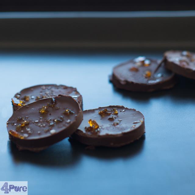 chocolaatjes met karamel en zeezout - chocolates with caramel and sea salt