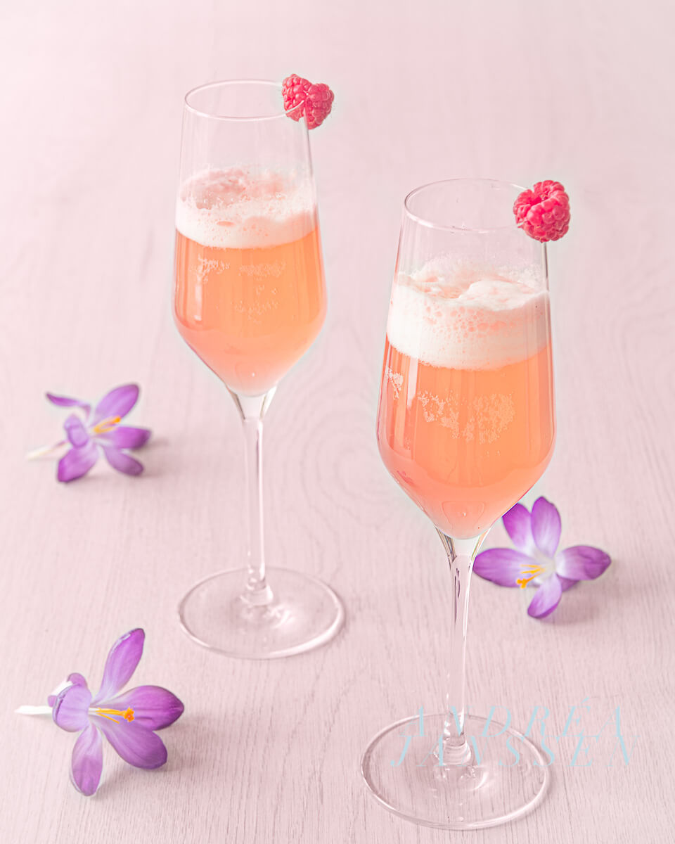 Spring cocktail with raspberries