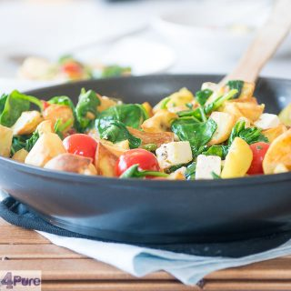 Spinazie wokken met feta en aardappeltjes - spinach stir fry with feta and potatoes