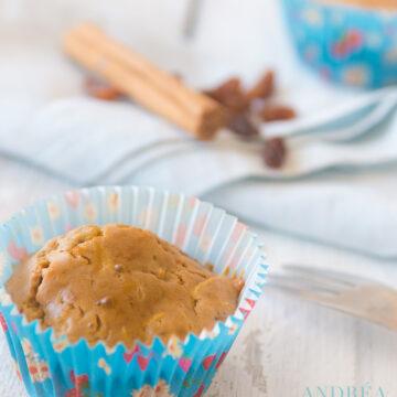 Muffin met appel en rozijnen