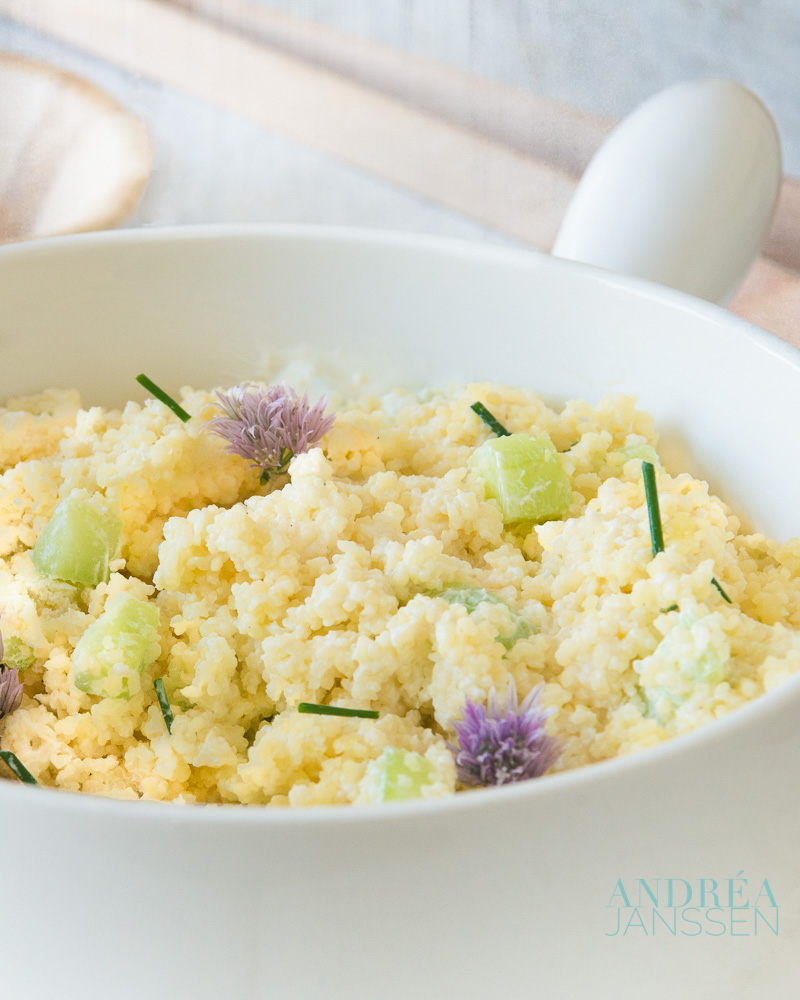 couscous salade met bieslook en komkommer