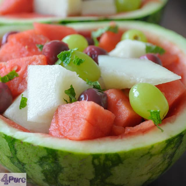 Meloensalade met verse vruchten- melon salad with fresh summer fruit