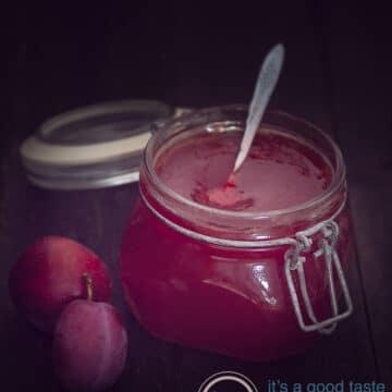 plum jam with vanilla