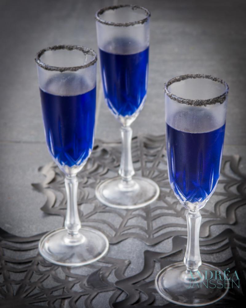 Halloween blues cocktail