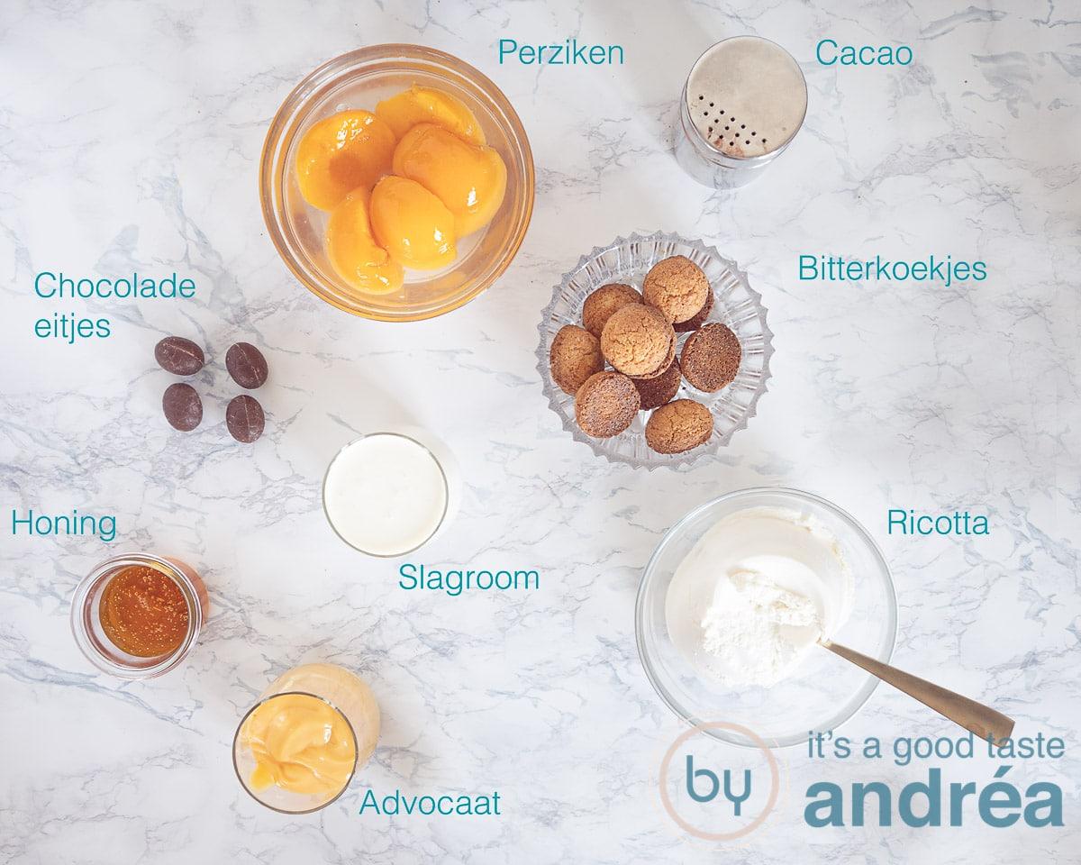 Ingredienten snelle tiramisu met advocaat en perzik