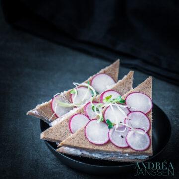 Vegetarische radijs sandwiches (high tea)