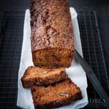 de lekkerste wortel cake met walnoten en rozijnen-5-bewerkt