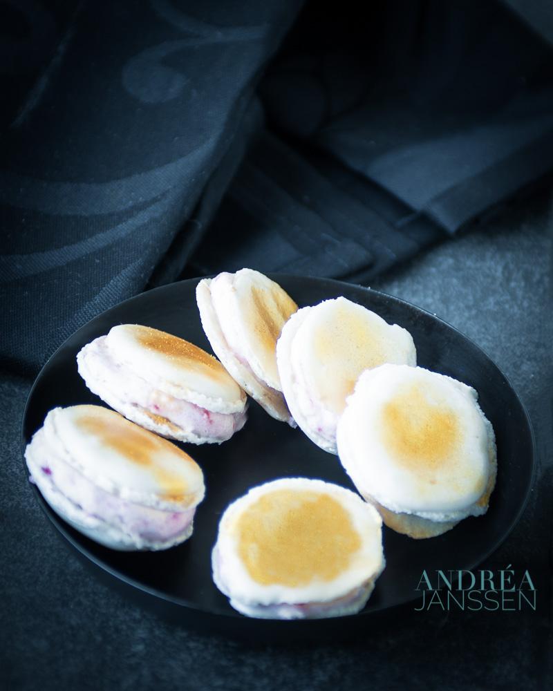Macarons met aardbeien prosecco vulling