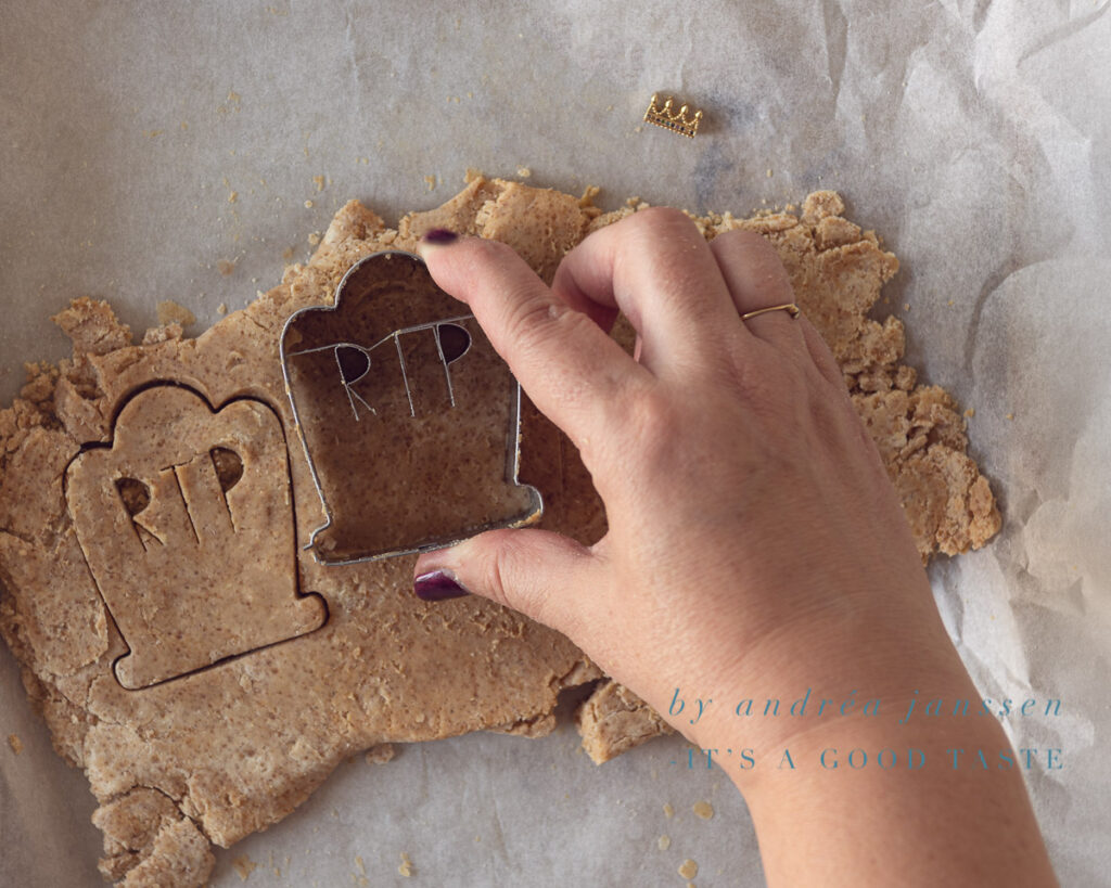 Cut out the cookies with a cutter