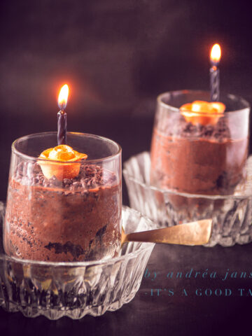 Fluffy chocolate mousse Halloween