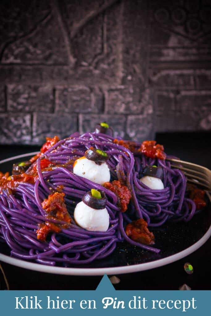 Pin melding paarse spaghetti