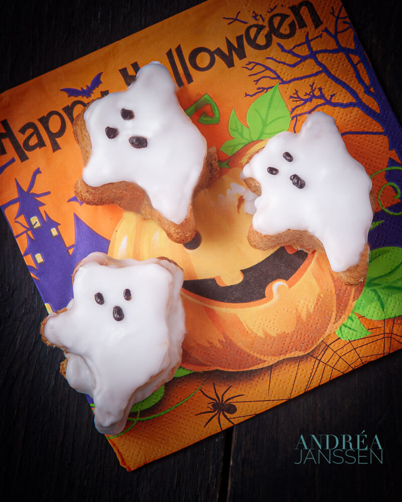 Halloween Cake Ghost Andrea Janssen