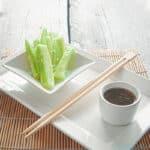 komkommer met chinese dip