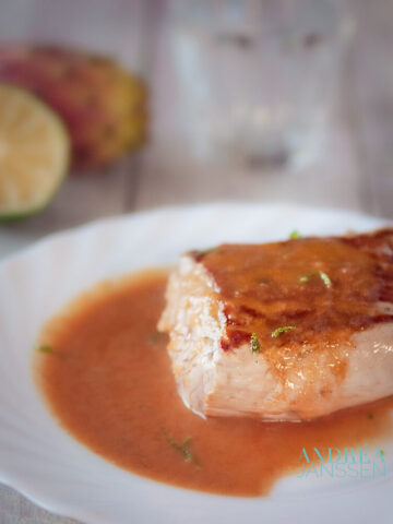 Tenderloin with prickly pear sauce