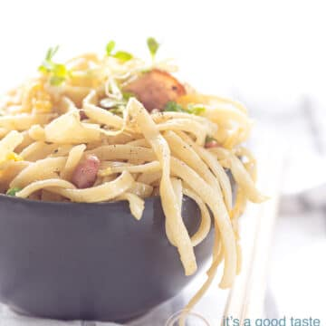 bami goreng with egg and ham