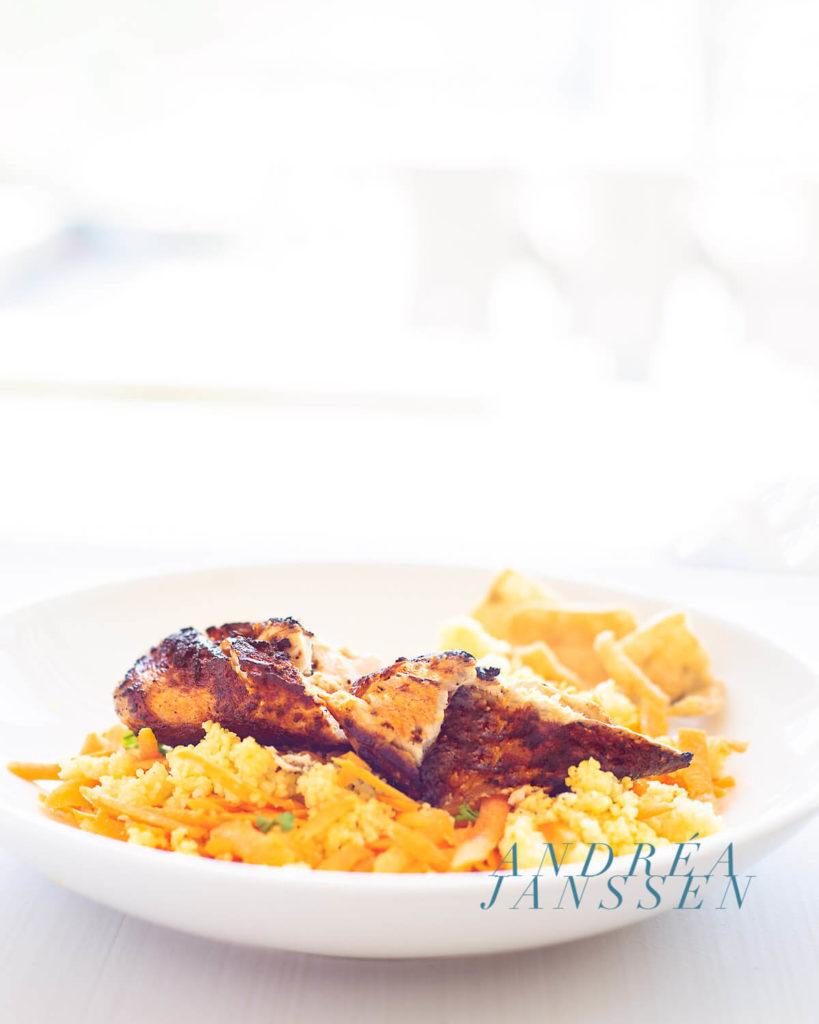 Ras El Hanout kip met kruidige wortel couscous