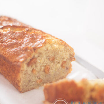 banana bread with cashew nuts