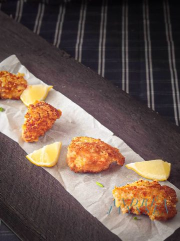 Crispy chicken nuggets with Parmesan cheese