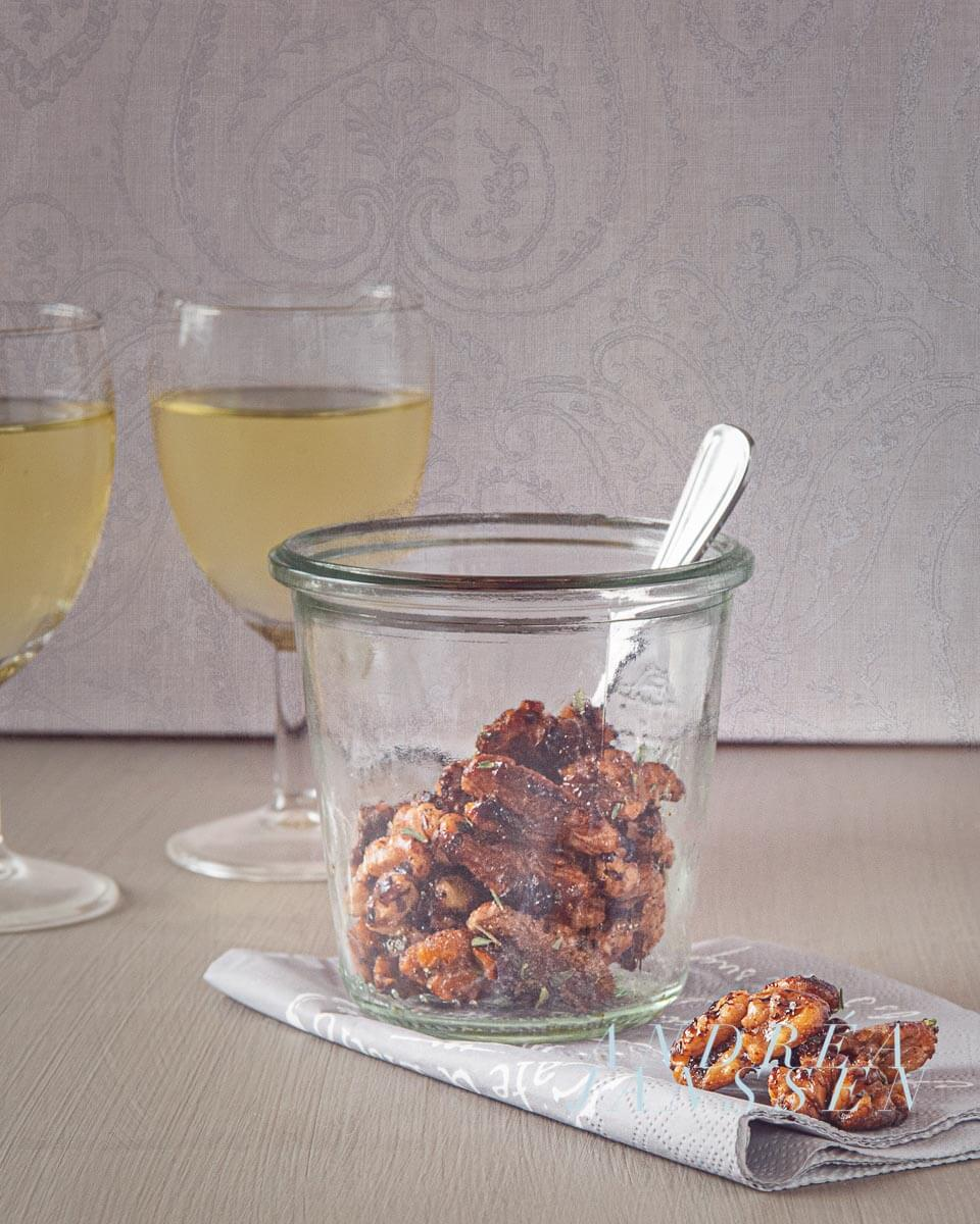 Roasted walnuts with thyme
