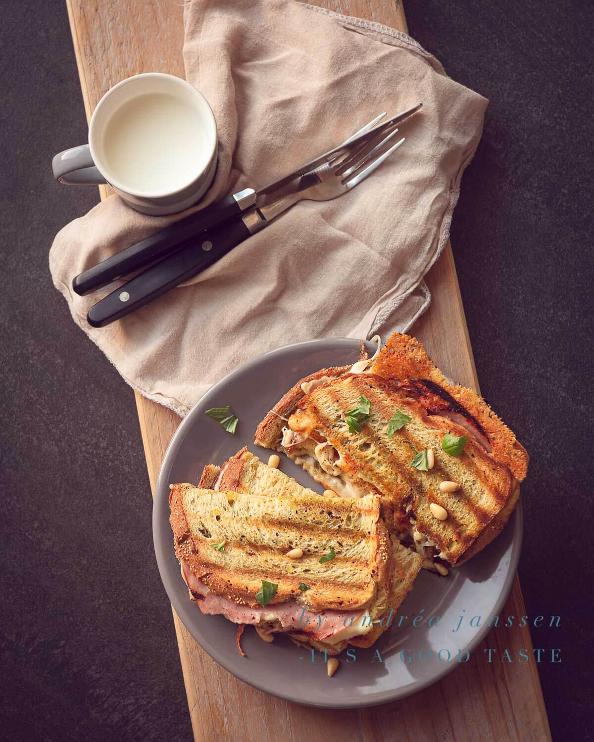 Grilled cheese sandwich with pesto