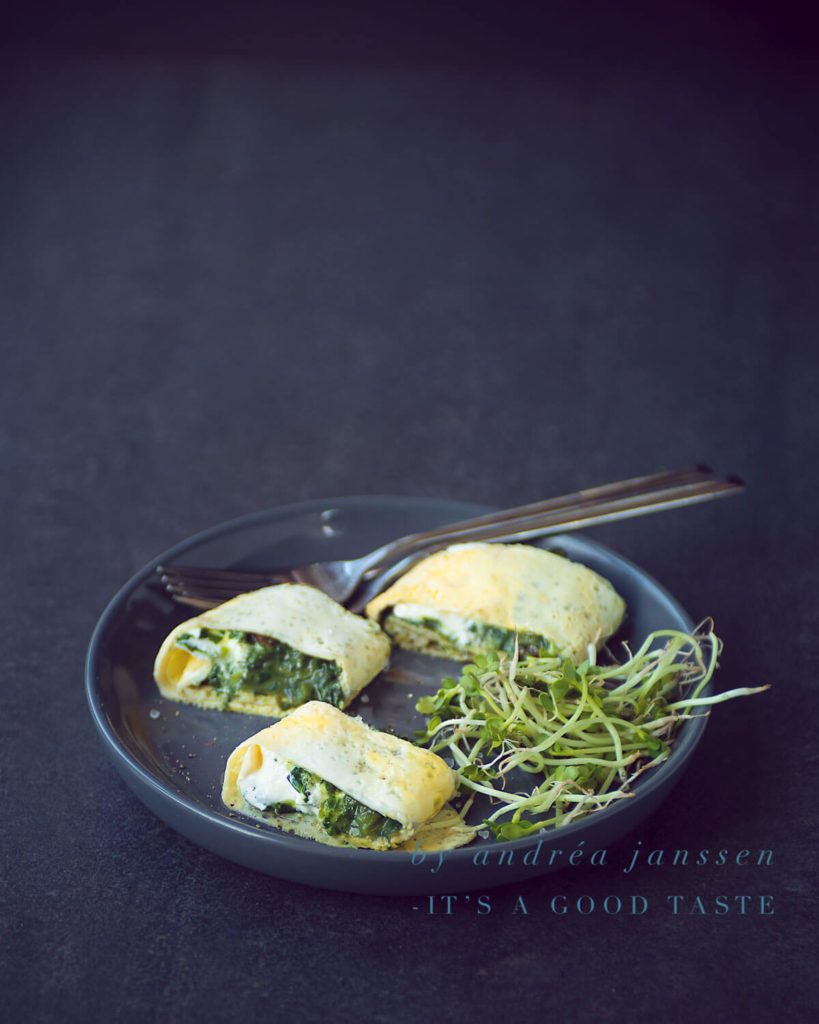 Omelet with spinach wrap