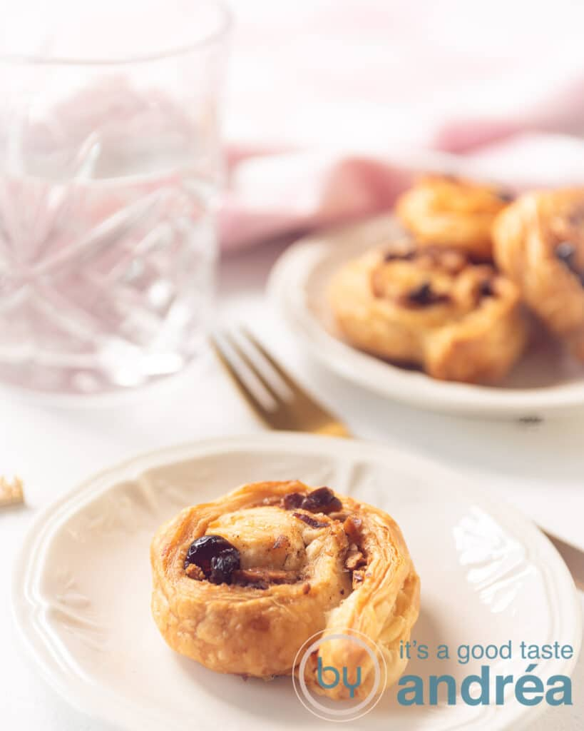 Puff pastry cinnamon rolls recipe