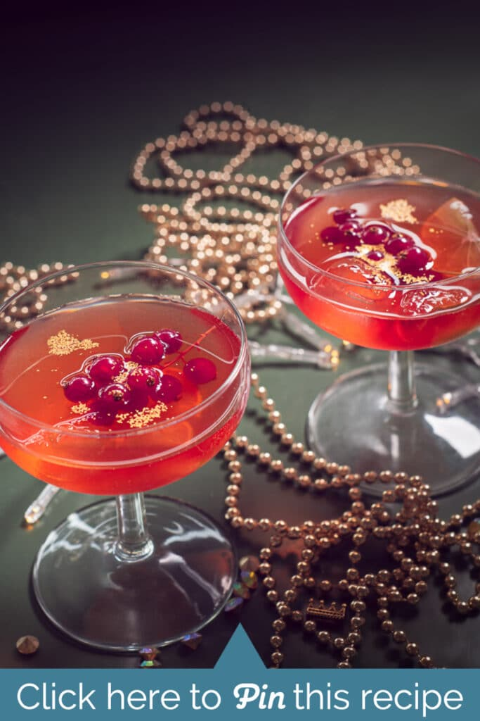 two glasses with Red currant Cosmopolitan cocktail recipe