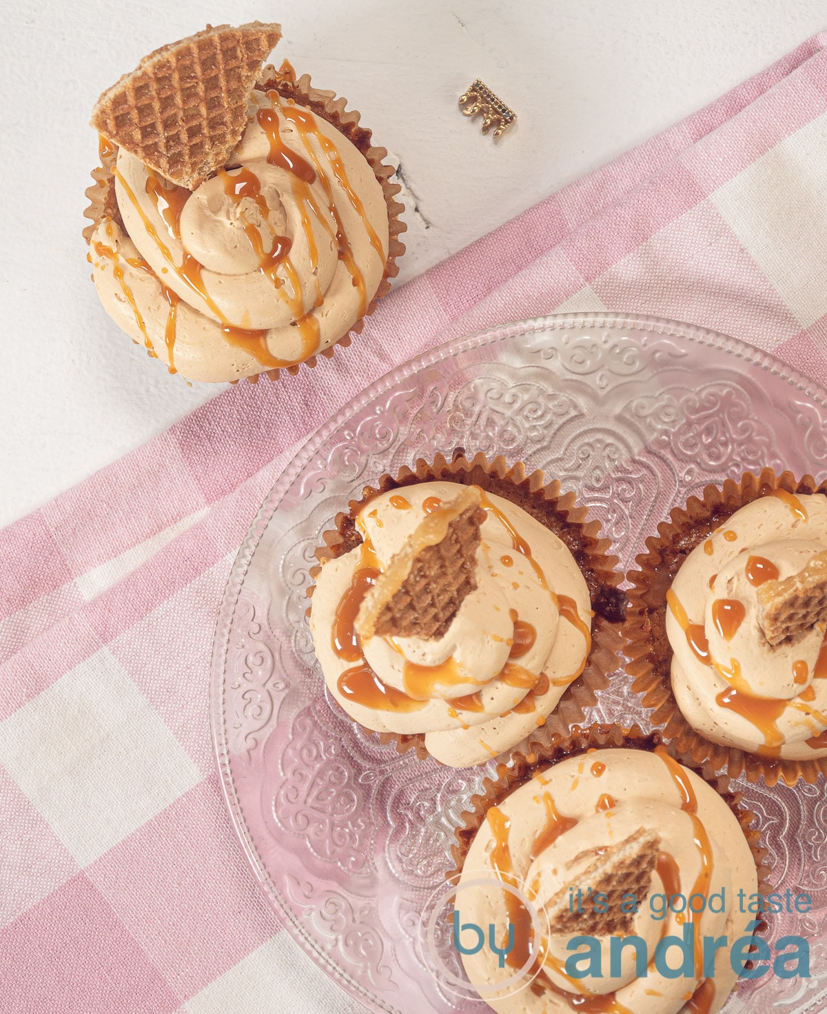 4 stroopwafel cupcakes with caramel frosting from the top