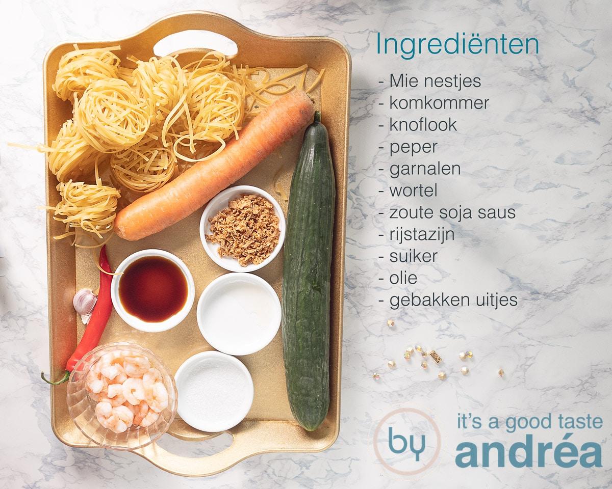 Ingrediënten voor een Bami salade